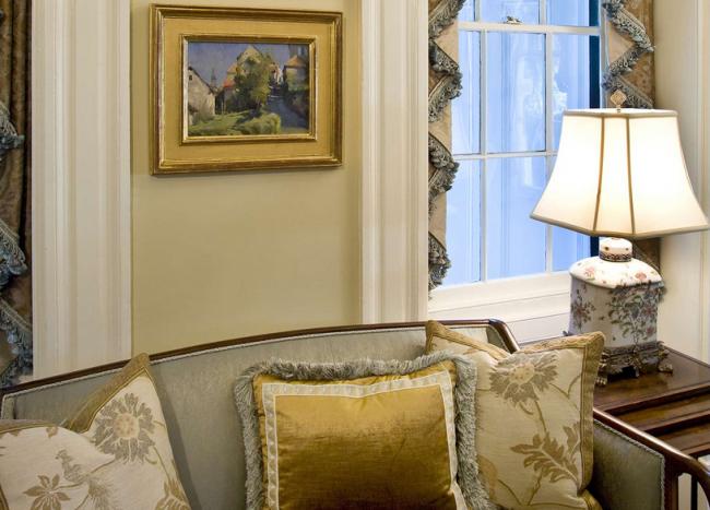 traditional-charleston-interior-design-1
